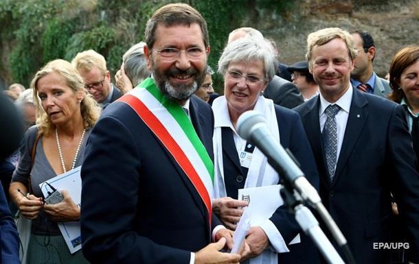 Мэр Рима подал в отставку из-за скандала