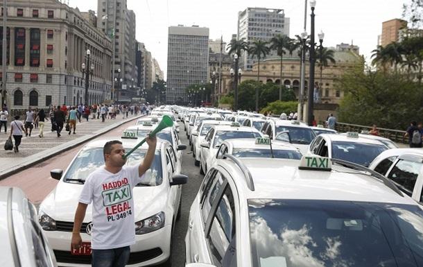 В бразильском Сан-Паулу запретили интернет-сервис по заказу такси Uber