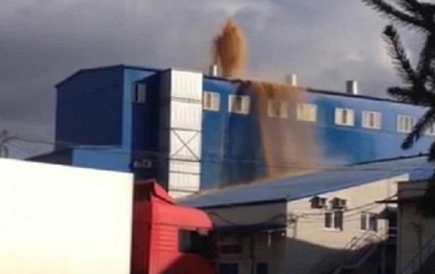 На воронежском заводе произошло извержение дрожжей