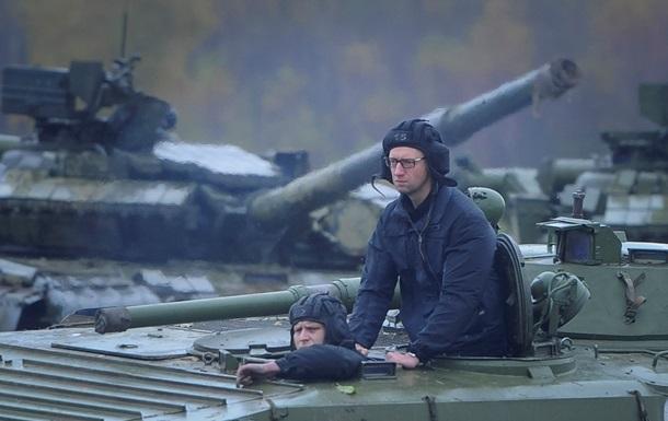 Яценюк: За год на оборону пошло 90 миллиардов