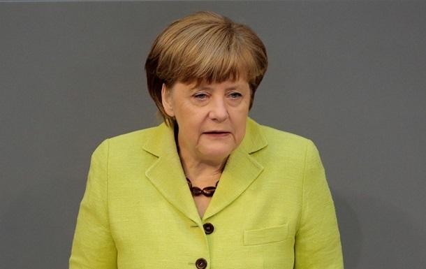 Меркель: ФРГ продолжит работу в рамках мирного процесса в Украине