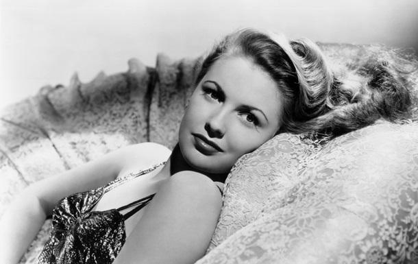 Джоан Лесли скончалась в возрасте 90 лет