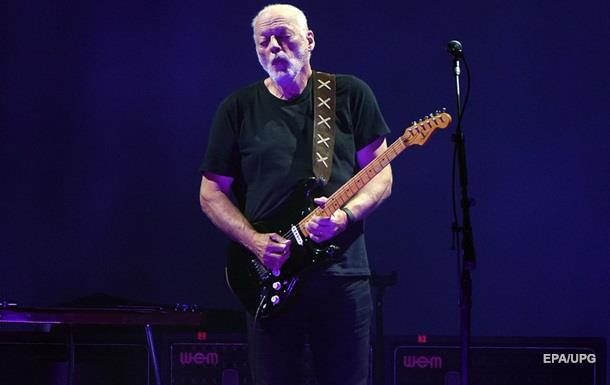 Лидер группы Pink Floyd спел «гимн украинской революции»