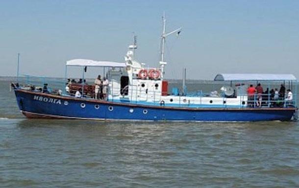 Итоги 17 октября: авария катера под Одессой, нарушение перемирия в Донбассе