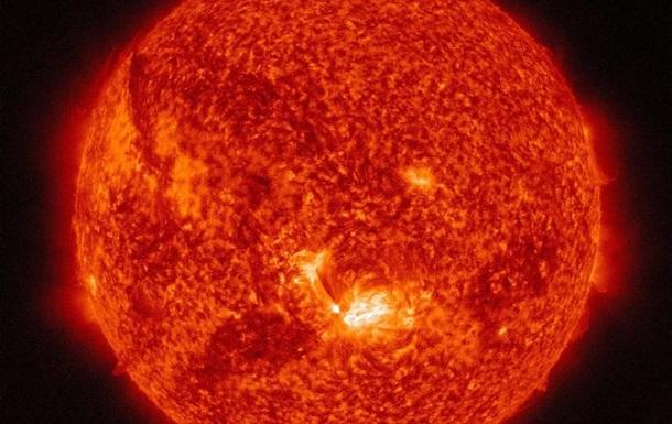 NASA опубликовало видео мощного взрыва на Солнце