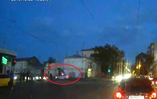 В Одессе автомобиль полиции сбил женщину