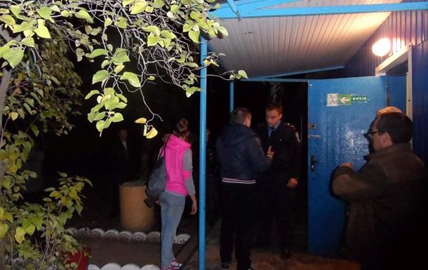 В Херсонской области мужчина пришел голосовать с топором