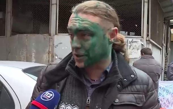 Екс-нардепа Ігоря Мірошниченка облили зеленкою
