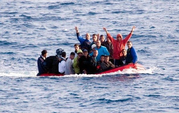 AI: Австралия платила контрабандистам за отвод лодок с беженцами