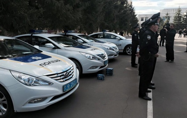 Во Львове уволили четырех полицейских за сон на службе