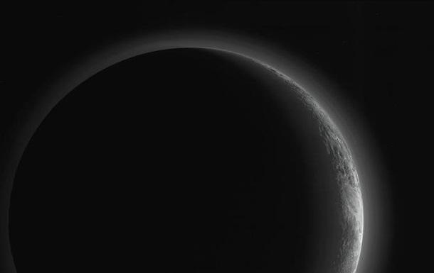 Прекрасны и таинственны. Новые фотографии Плутона и Харона