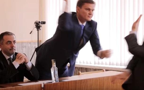 В Каховке депутаты подрались  палкой колбасы