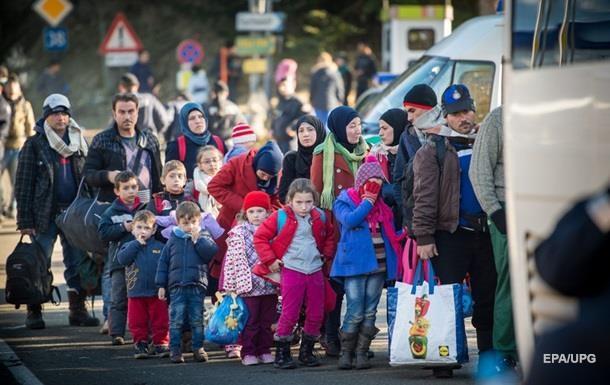 Германия запретит беженцам перевозить семьи
