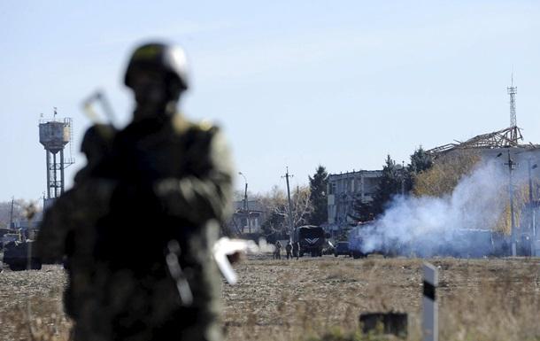 Военные сообщают о гранатометных обстрелах Песок
