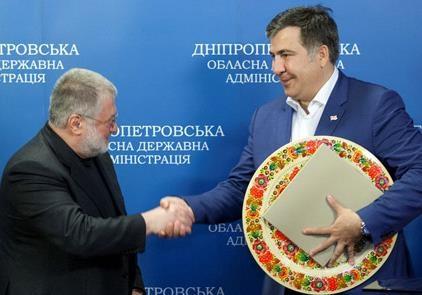 Місяць кримської  блокади . Що спільного між ПС та Саакашвілі??