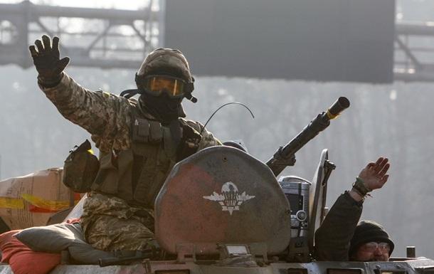 Под Марьинкой перевернулся БТР: есть жертвы