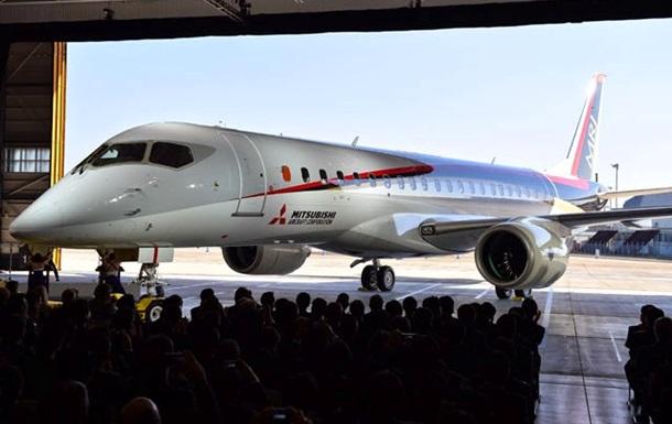 Первый за 40 лет японский самолет MRJ отправился в полет