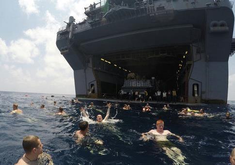 Сенатор Белому дому США: держите наземные войска подальше от Сирии