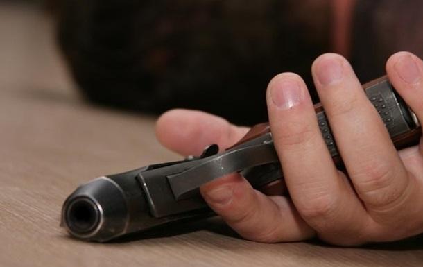 В Красногоровке посреди улицы застрелился солдат