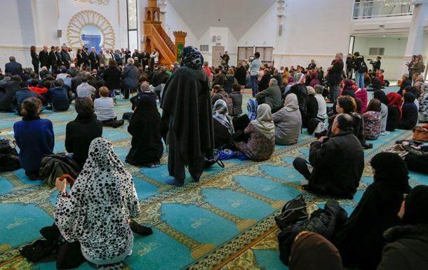 Париж будет закрывать мечети и высылать радикалов