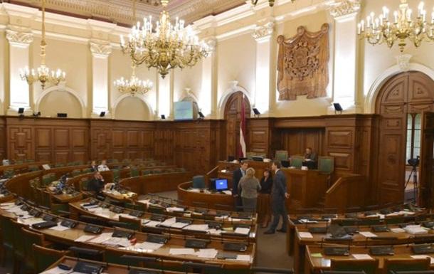 В Латвии хотят запретить радиорекламу на русском