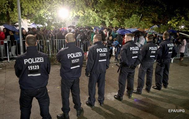 Спецслужбы Германии предупреждают о вербовке мигрантов исламистами