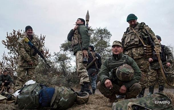 Военные фиксируют минометные обстрелы под Донецком