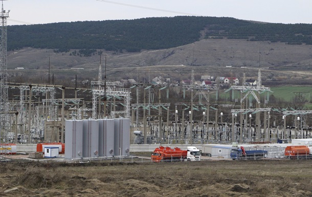 Россия отправит в Крым 300 электрогенераторов