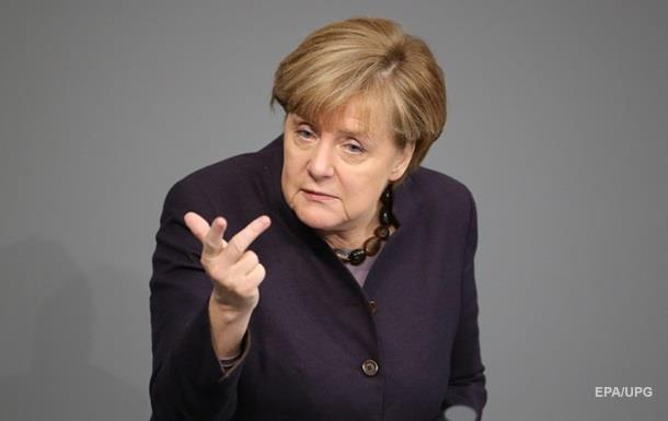 Меркель: Крушение Су-24 усугубило ситуацию в Сирии