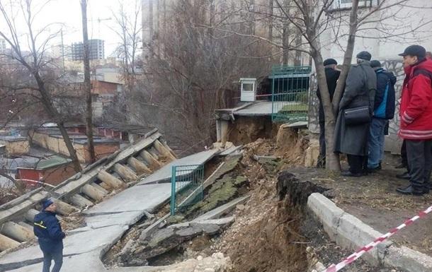 Оползень в Киеве: отселены жильцы 38 квартир