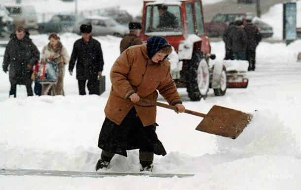 Снег оставил без света более 30 населенных пунктов Харьковщины
