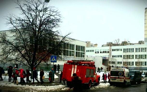 В Харькове три школьника попали в больницу из-за распыления газа