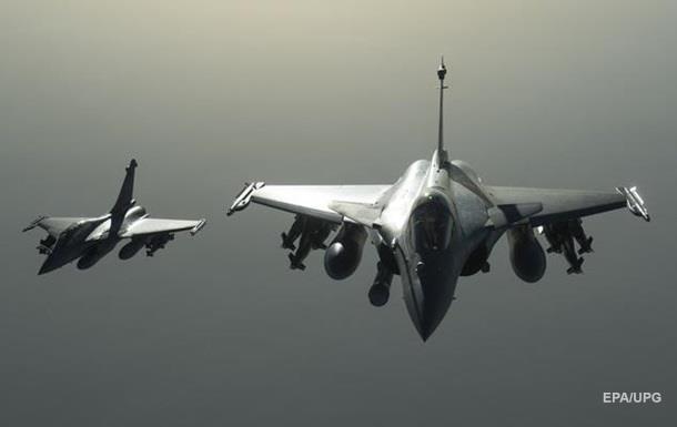 Франция призналась в разведполетах над Ливией