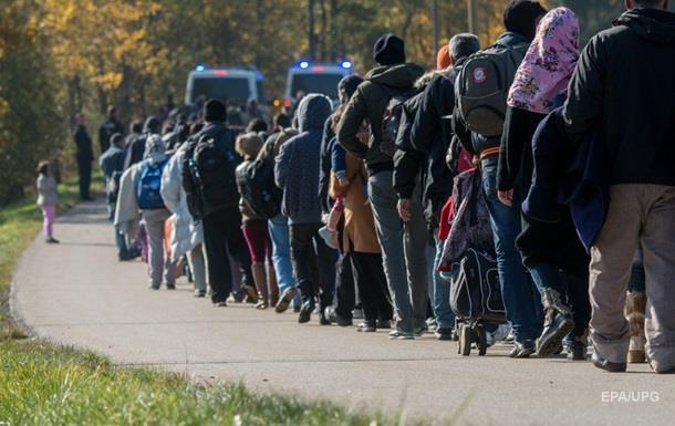 В ФРГ прибыли около миллиона беженцев за год