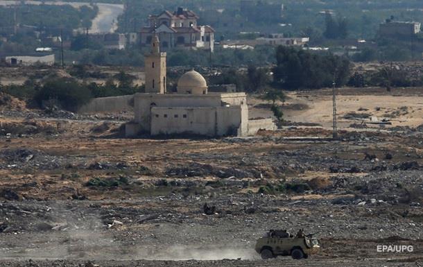 В Египте при подрыве БТР погибли четверо военных