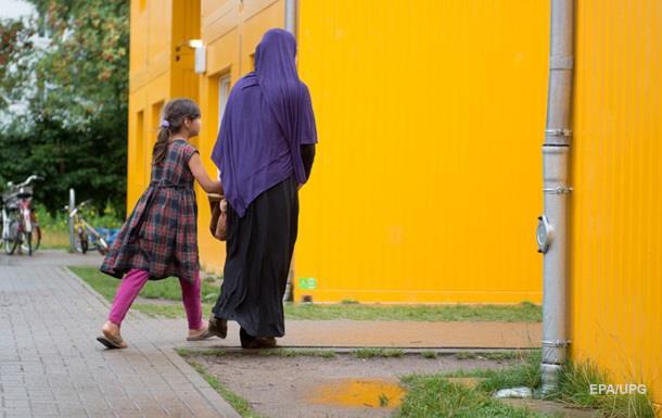 В ФРГ за год совершено около 800 нападений на приюты беженцев