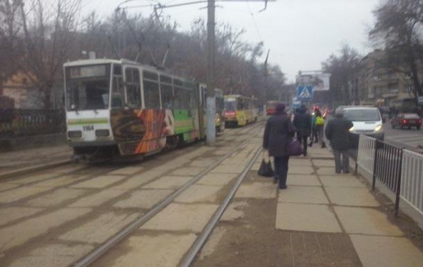 Во Львове остановились все трамваи