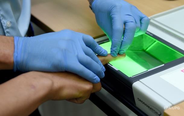 В РФ предложили снимать отпечатки пальцев у всех граждан
