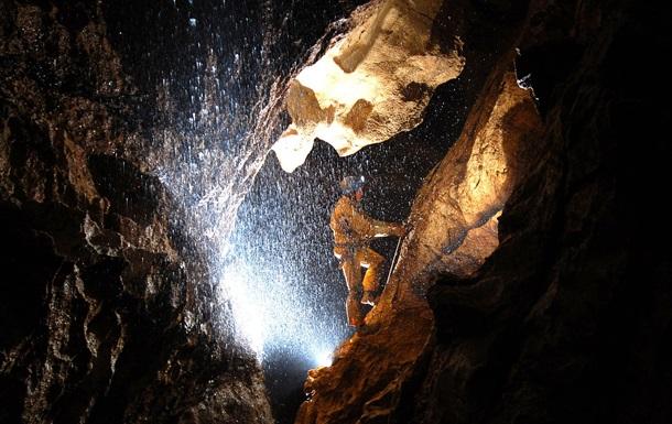 Исследователи обнаружили самую глубокую в мире пещеру