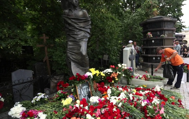 Wi-Fi на кладбищах в России и драки за тухлые продукты в Украине