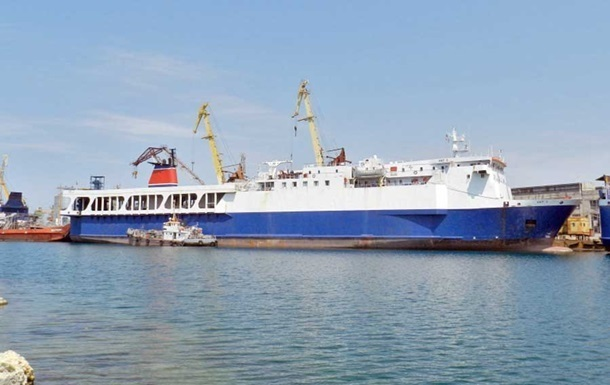 В Крым из Турции прибыл паром с дальнобойщиками РФ