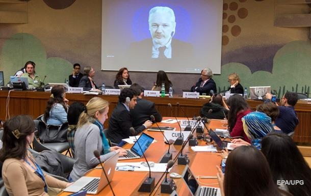Основателя Wikileaks Ассанжа допросят в Лондоне