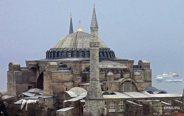 РФ опровергла задержание Турцией 27 кораблей