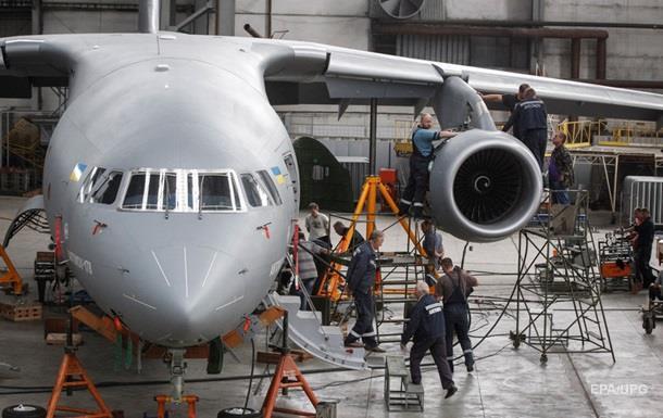 Антонов подписал контракты почти на 60 самолетов