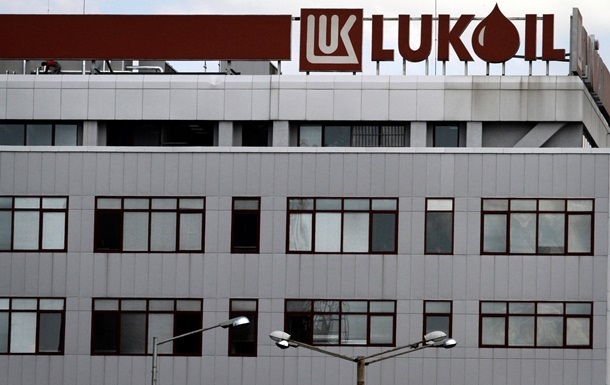 Лукойл продает бизнес в Прибалтике