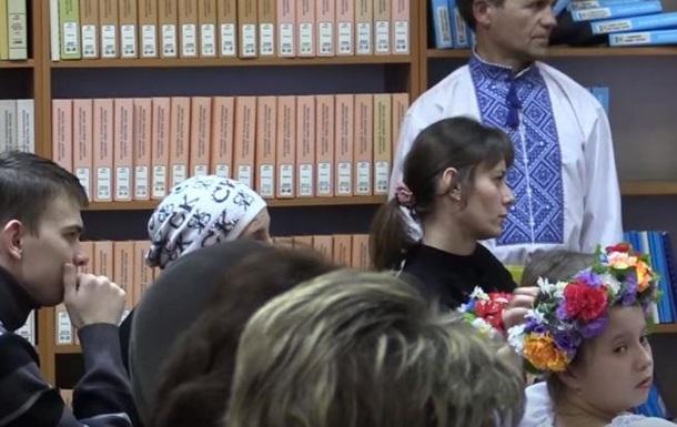В Донбассе учителей водят на лекции о Бандере