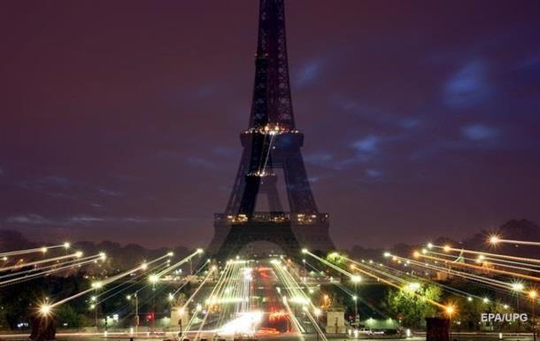 В Париже отменили новогоднее шоу и фейерверки