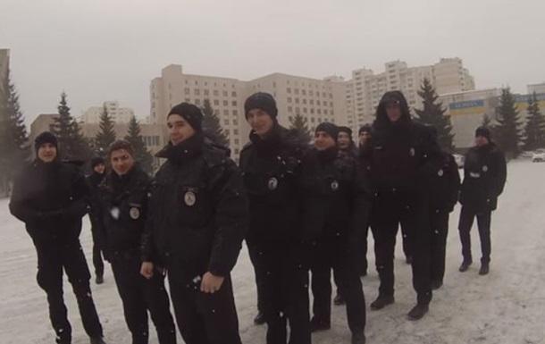 Патрульные поздравили украинцев с Новым годом