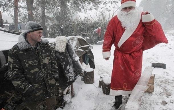 В новогодний вечер на Донбассе почти тихо