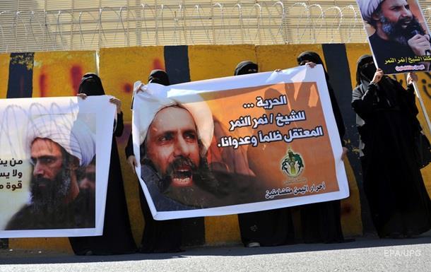 В посольство Саудовской Аравии в Иране ворвались протестующие